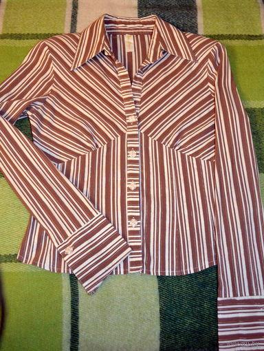 Классическая стильная блузка 42-44 размера. Универсальная
