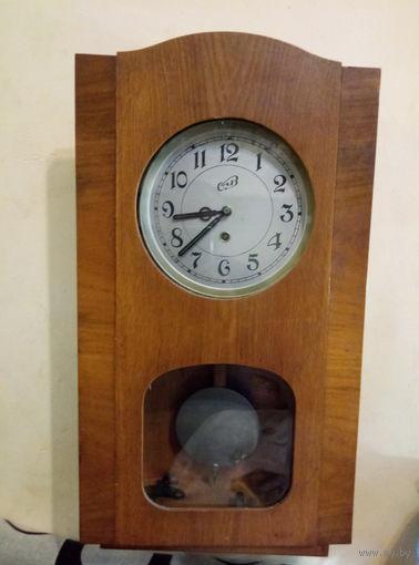 Часы настенные ,,ОЧЗ,,рабочие.Старт с 2-х рублей без м.ц.Смотрите другие лоты.Много интересного.