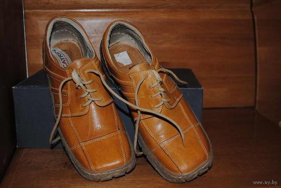 Фирменные женские ботинки,-CATRIN-размер-36 ,5/ 37-Натуральная кожа,POLAND!