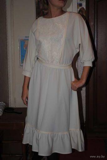Платье в Ретро-стиле, новое, но ещё тех Времён! рр-42-44, на рост 164-170.