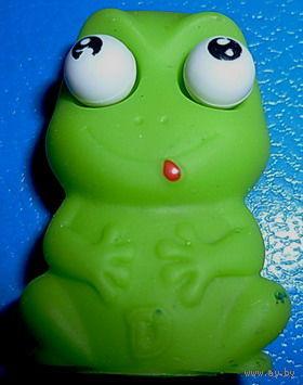 Игрушка--лягушонок ---резиновый
