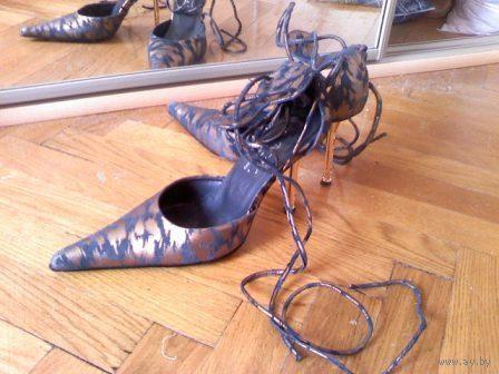 Туфли женские, золотой каблук со стразами