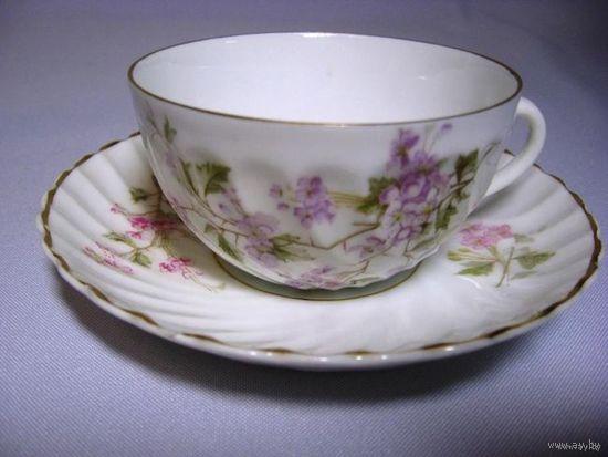 Продам изящную чашечку с блюдцем из тончайшего фарфора. Германия, 19 век. Клеймо: Carl Tielsch. Позолота. Оттенок цвета рисунка на чашке и блюдце немного отличается. Диаметр блюдечка - 130мм, высота ч