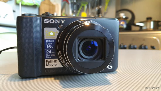 Компактный фотоаппарат Sony Cyber-shot DSC-HX9V + 32Gb SD + чехол + внешнее зарядное + дополнительная батарея