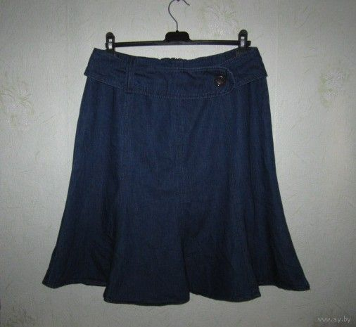 Юбка джинсовая фирменная, удачная модель на любую фигуру, р.46