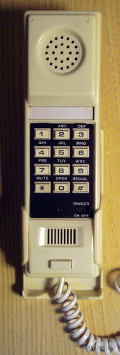 Телефон кнопочный настенный