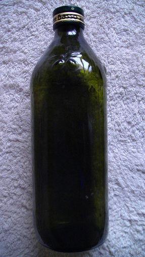 Бутылка с маслинами по периметру вверху. распродажа