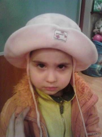Лот крутых шапочек из Германии для принцессы до 3 лет