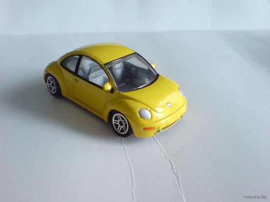 Bmw  vw new beetle  жук  жёлтый, металл расспродажа коллекции