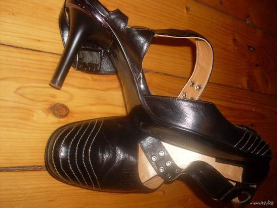 Туфли женские,натуральная лайковая кожа.Пр-во Италия.