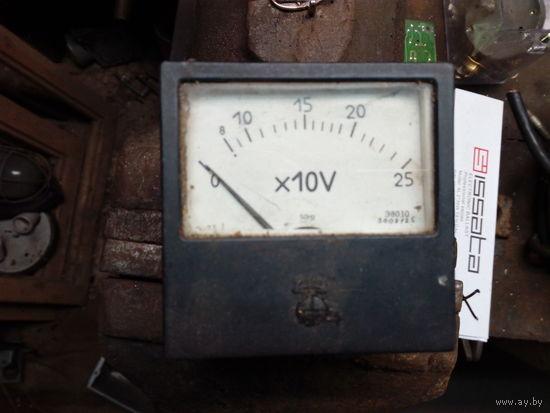 Вольтметр переменного тока 250 вольт (состояние на фото)