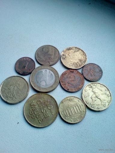 Монеты лотом