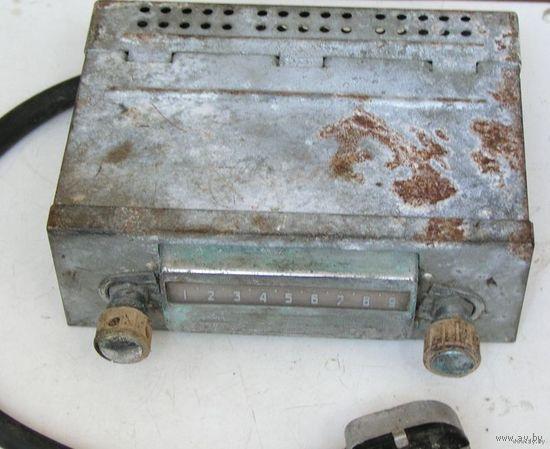 Приемник ламповый автомобильный А-8М