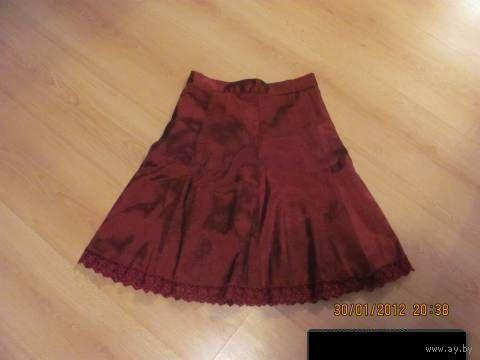 Распродажа!!  Шикарная   юбочка с кружевом р-р 40-42.