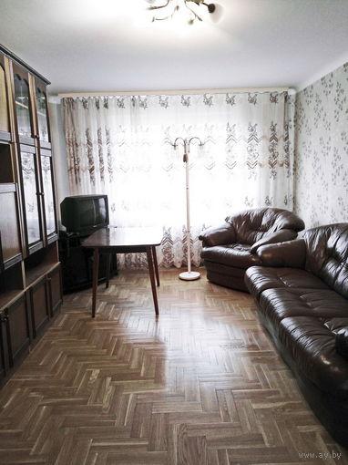 Просторная трехкомнатная с отличным ремонтом и мебелью, Лынькова 15