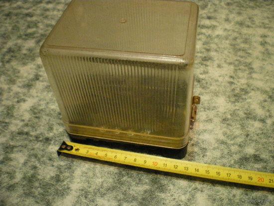 Ящичек 12.8х9.4х12.7 см.