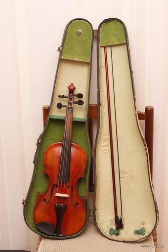 Старинная скрипка нерабочая небольшого размера  для оформления интерьера или для других целей с рубля без МЦ всего 7 дней. Скрипка не для игры!!!